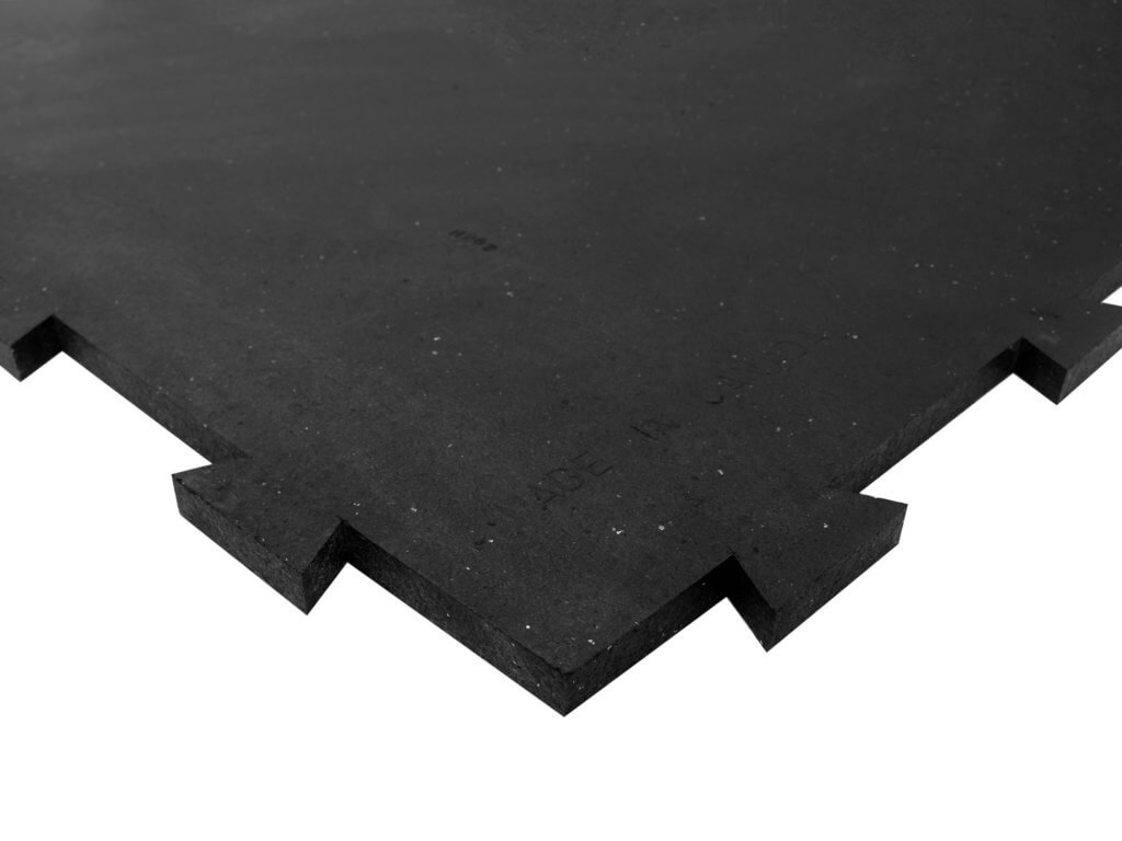 07034-red-barn-4x6x0.75-4-sided-interlocking-rubber-stall-mats1